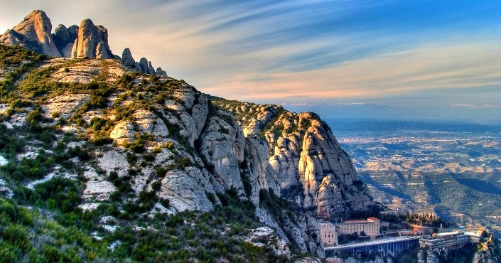 Montserrat & Wine-Country Full Day Tour