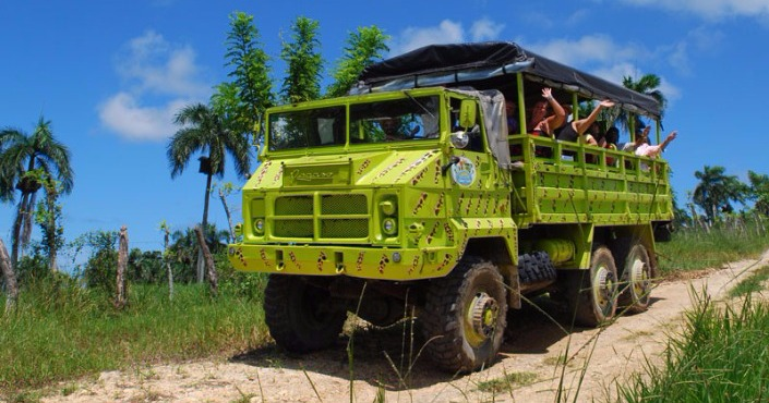 Compay Super Truck Eco Safari